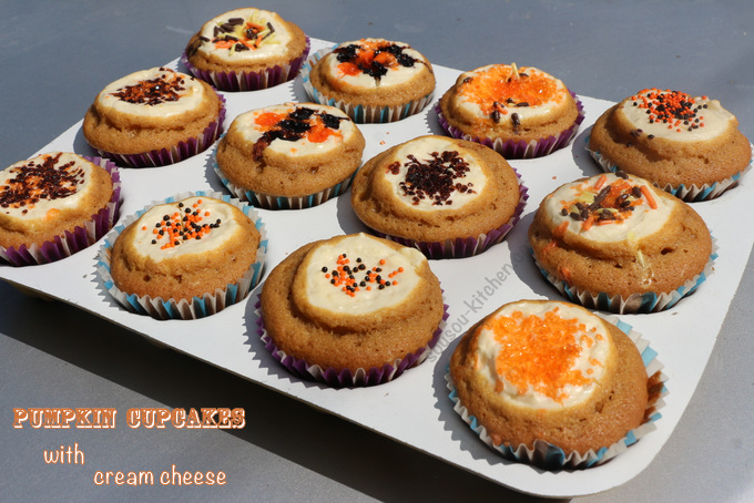 pumpkin cream cheese cupcakes7